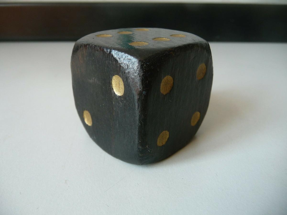 Großer schwarzer Holzwürfel 4 cm 1