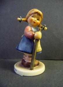 Hummel-Figur Süßer Fratz / Goebel Porzellan Nr. 768