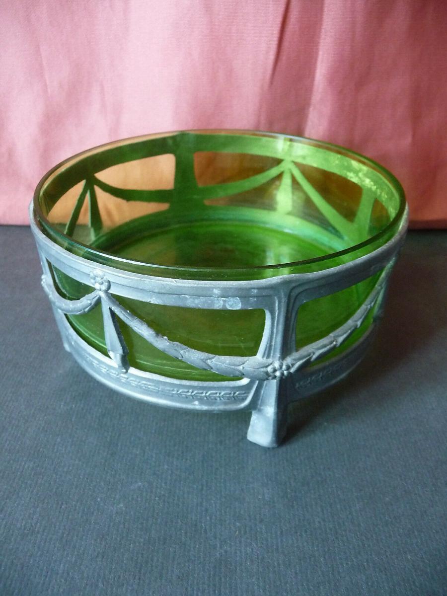 Kleine runde Schale mit Glaseinsatz grün / Jugendstil Girlanden 0