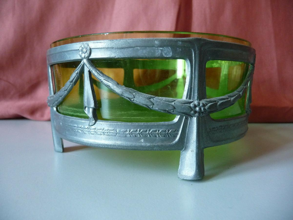 Kleine runde Schale mit Glaseinsatz grün / Jugendstil Girlanden 1