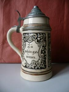 Zierkrug Bierkrug mit Zinndeckel / Trompeter von Säckingen / Westerwald?