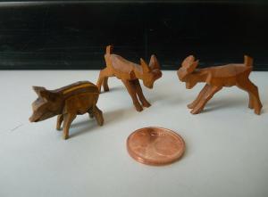 3 kleine Tierfiguren Holzfiguren Frischling Rehe