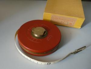 Altes Maßband / Linen Tape 15 Meter / Massi Werkzeug DDR