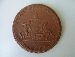 Medaille Die Fahrenden Gesellen / Wandergruppe Meißen / Böttgersteinzeug 1924