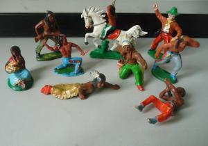 Kleines Konvolut Indianer 10 Figuren