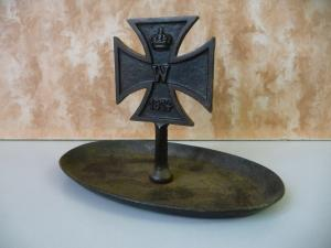 Aschenbecher Schale Standbild Eisernes Kreuz 1914