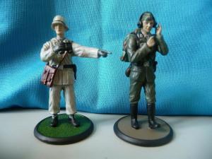 2 Figuren Soldaten Wehrmacht Unteroff. Flak / Nachrichtenabt. / Editions Atlas