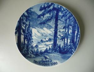 Weihnachtsteller Sammelteller Weihnachten 1986 / Lichte Kobalt Porzellan