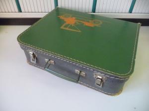 Alter kleiner Koffer Handarbeitskoffer Kinderkoffer Auto-Aufdruck