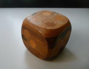 Großer Würfel Riesenwürfel aus Holz Intarsien Seitenlänge 7 cm