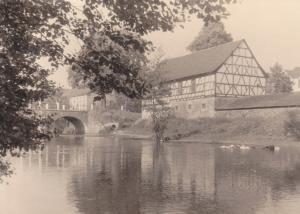 Orig. Foto Weischlitz Vogtland Elsterbrücke Fachwerkhaus Altes Gut 1961