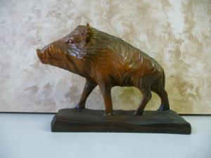 Holzfigur Schnitzarbeit Wildschwein
