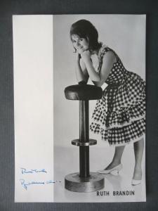 Autogrammkarte Ruth Brandin / Schlagersängerin Foto handsigniert 1965