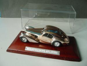 Modellauto Bugatti Coupé Atlantic in Box