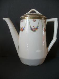 Kleines Kaffeekännchen Blumen Girlanden / Keramik elfenbeinfarben