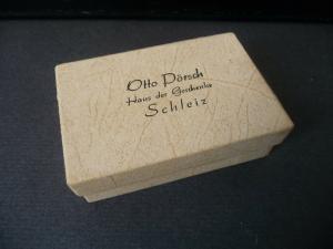 Kleine Pappschachtel mit Aufdruck / Otto Pörsch Haus der Geschenke Schleiz
