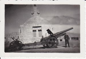 Orig. Foto Soldaten Ehrenmal Douaumont Geschütz 1940