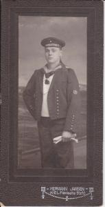 Orig. Foto Matrose Kaiserliche Marine Halbflottille V / Kabinettfoto CDV Kiel