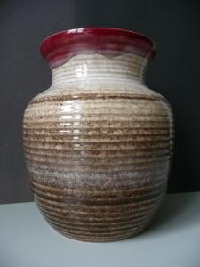 Schöne Vase in Braun-Rot-Tönen / Strehla Keramik