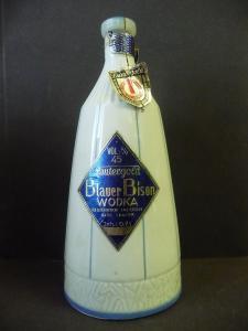 Flasche Blauer Bison Wodka / Lautergold Lauter DDR Porzellan