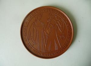 Medaille Limbach-Oberfrohna 1983 Wirkwarenindustrie / Böttgersteinzeug Meißen