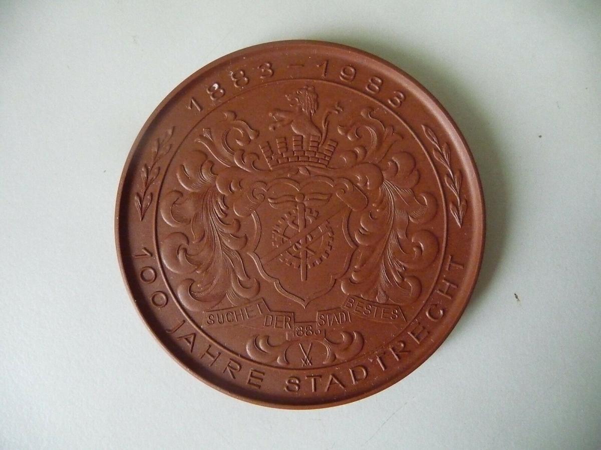 Medaille Limbach-Oberfrohna 1983 Wirkwarenindustrie / Böttgersteinzeug Meißen 1