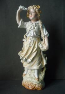 Porzellanfigur Mädchen winkt zum Abschied
