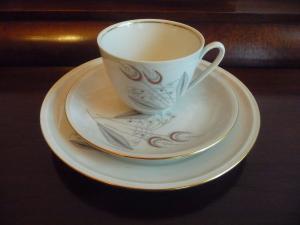 Gedeck Kaffeetasse Untertasse Teller / Freiberg Porzellan