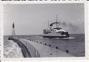 Orig. Foto Warnemünde Hafen Mole Fährschiff Schwerin ca. 1940