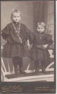 Orig.-Foto Kabinettkarte CDV 2 Kinder Mädchen schwarzes Kleid Mode Thorn Torun