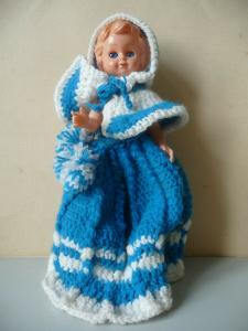 Kleine Puppe aus Kunststoff blaues Kleid / Made in Italy