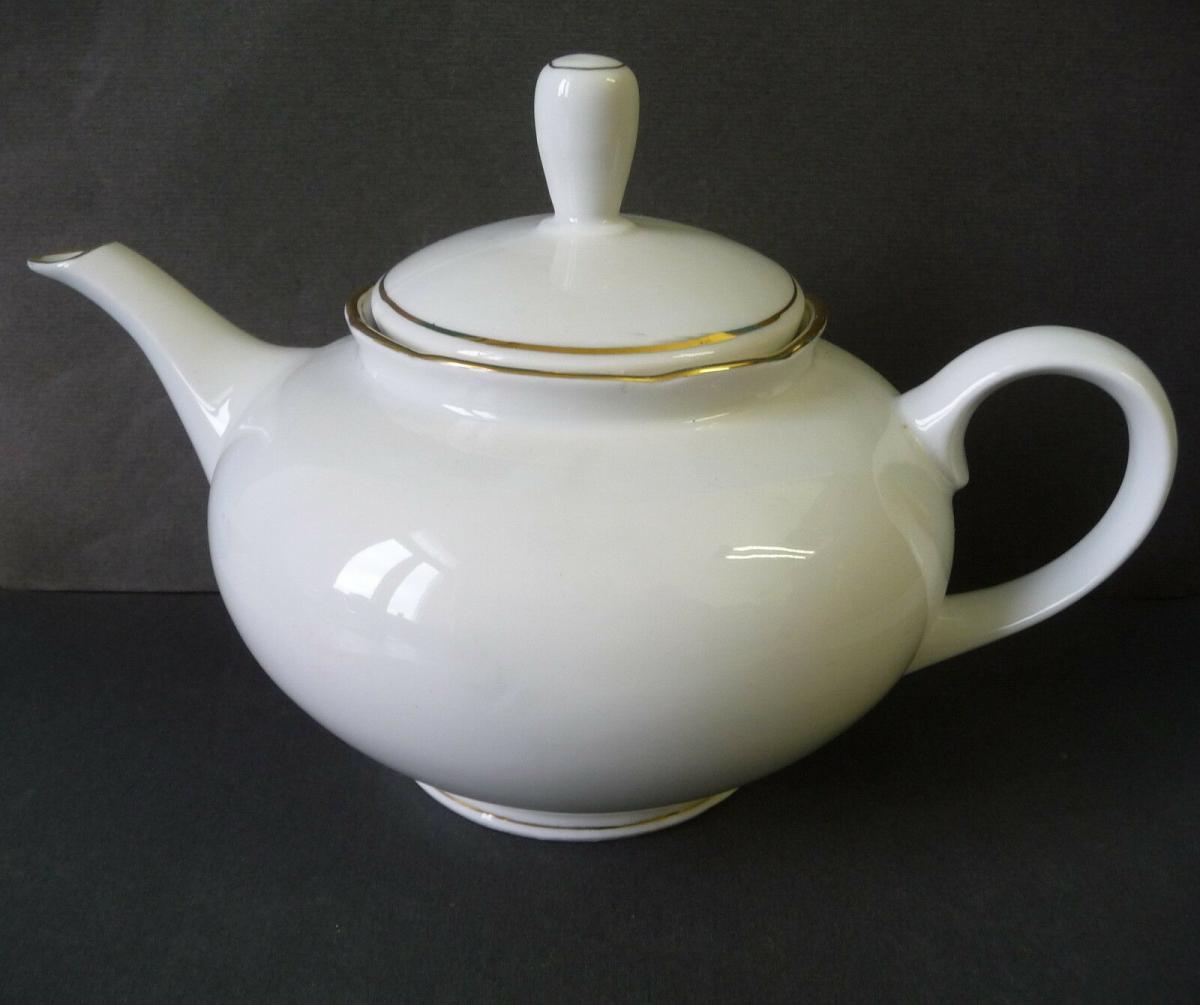 Teekanne weiß Goldrand / Könitz Porzellan 0