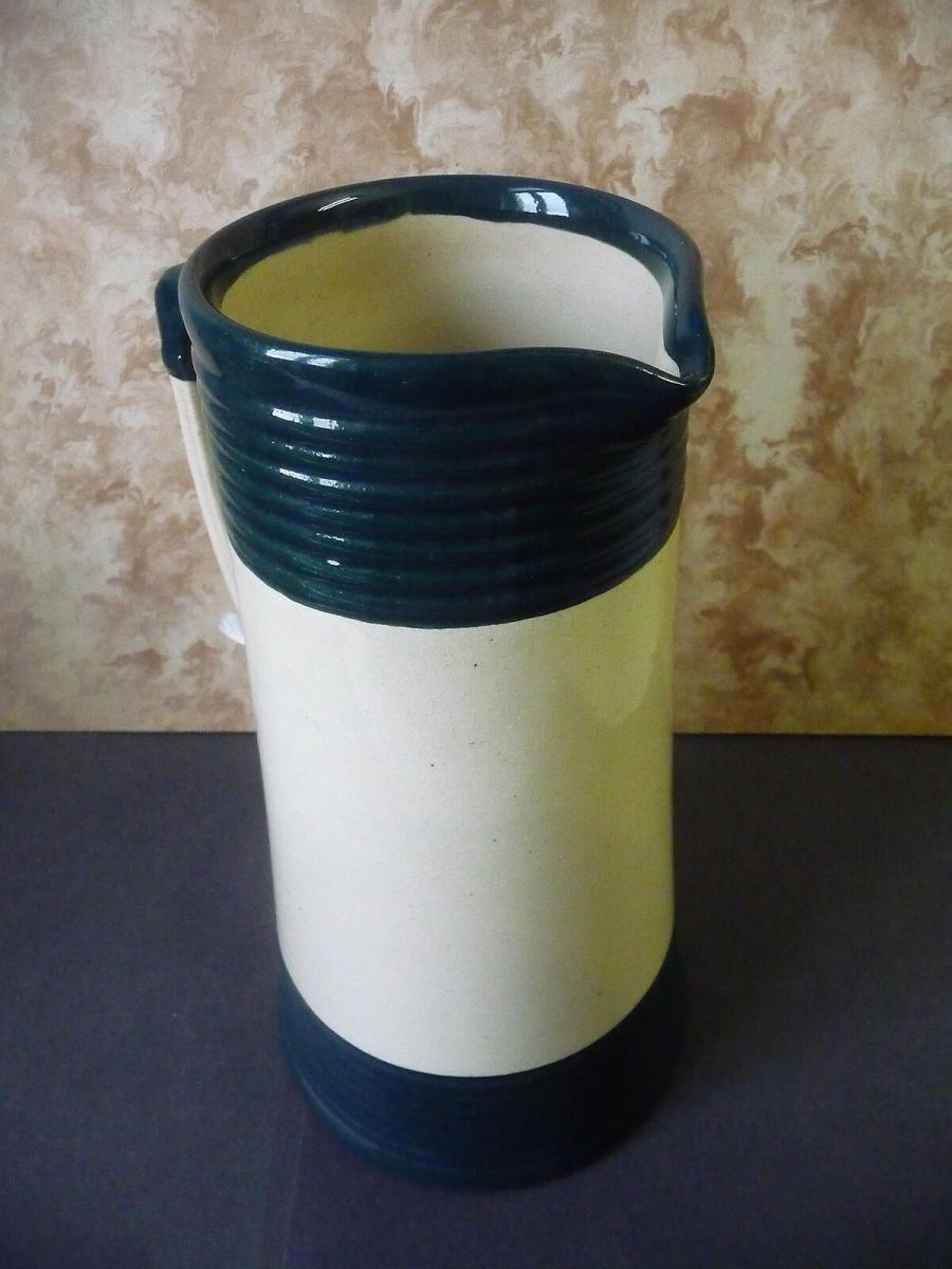 Schöner Krug weiß-grün für die Landhausküche 1