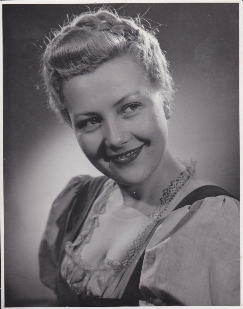 Orig. Filmfoto Pressefoto Aushangfoto Wilma Tatzel / Das schwarze Schaf 1944 0
