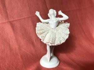 Porzellanballerina Porzellanpuppe mit Spitzenrock - Unterweissbach H8cm