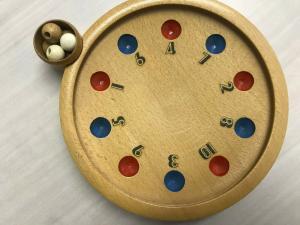 Altes Holzroulette , Gesellschaftsspiel