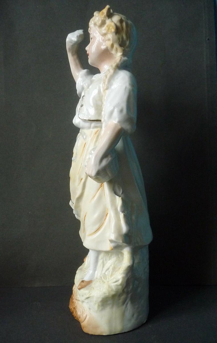 Porzellanfigur Mädchen winkt zum Abschied Nr. 323770593577