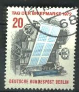Berlin Mi 439 gest K1-1700