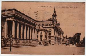 Tours - Le Palais et l`Hotel de Ville