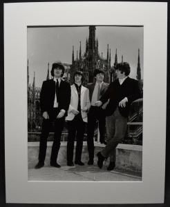 BEATLES - SCHÖNES ORIGINAL-PRESSE-PHOTO - MAILAND 1965 - MAILÄNDER DOM - MILANO