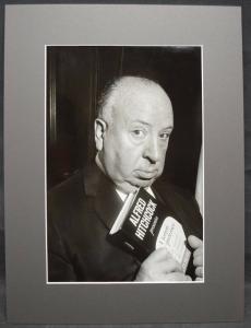 ALFRED HITCHCOCK - ORIGINAL--PORTRÄT-PHOTO - MAILAND - 1960