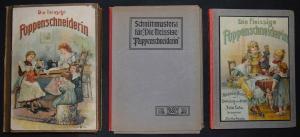 Die Puppenschneiderin um 1905 mit Chromolithographien - Schnittmuster - J. Lutz
