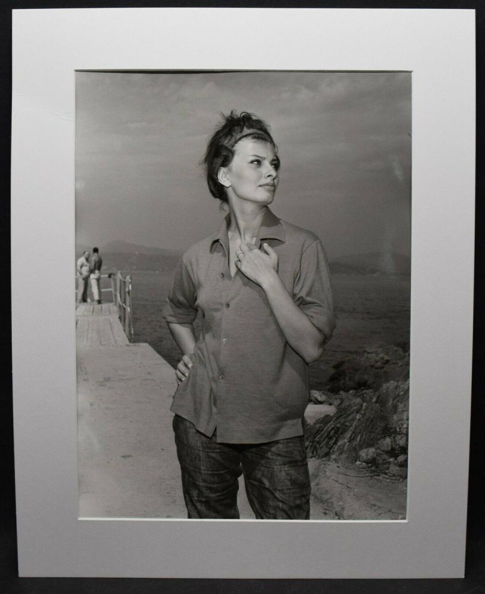 SOPHIA LOREN - ORIGINAL-PHOTOGRAPHIE ST. TROPEZ 1960 0