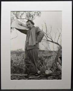 SALVADOR DALI MIT SCHAL - ORIGINAL-PHOTOGRAPHIE ROM 1957