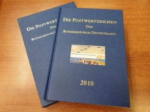 Briefmarken JAHRBUCH Bundesrepublik Deutschland 2010 kpl. bestückt mit Schuber.