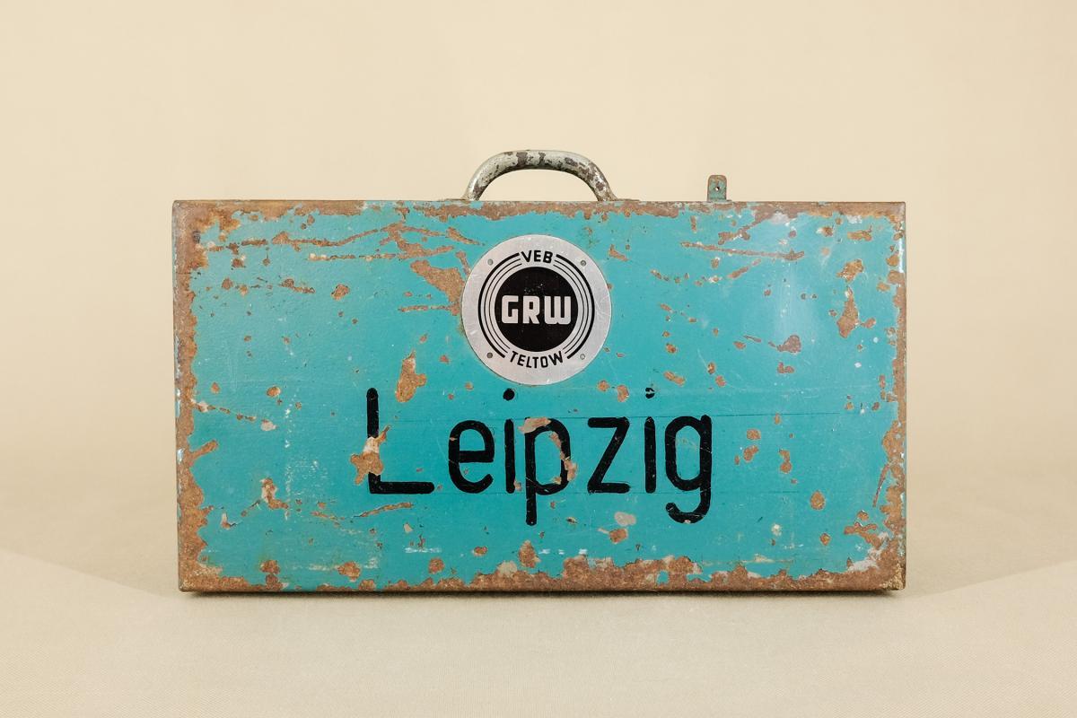 Industrieller Leipzig Koffer aus Metall von VEB GRW Teltow, 1950er  0