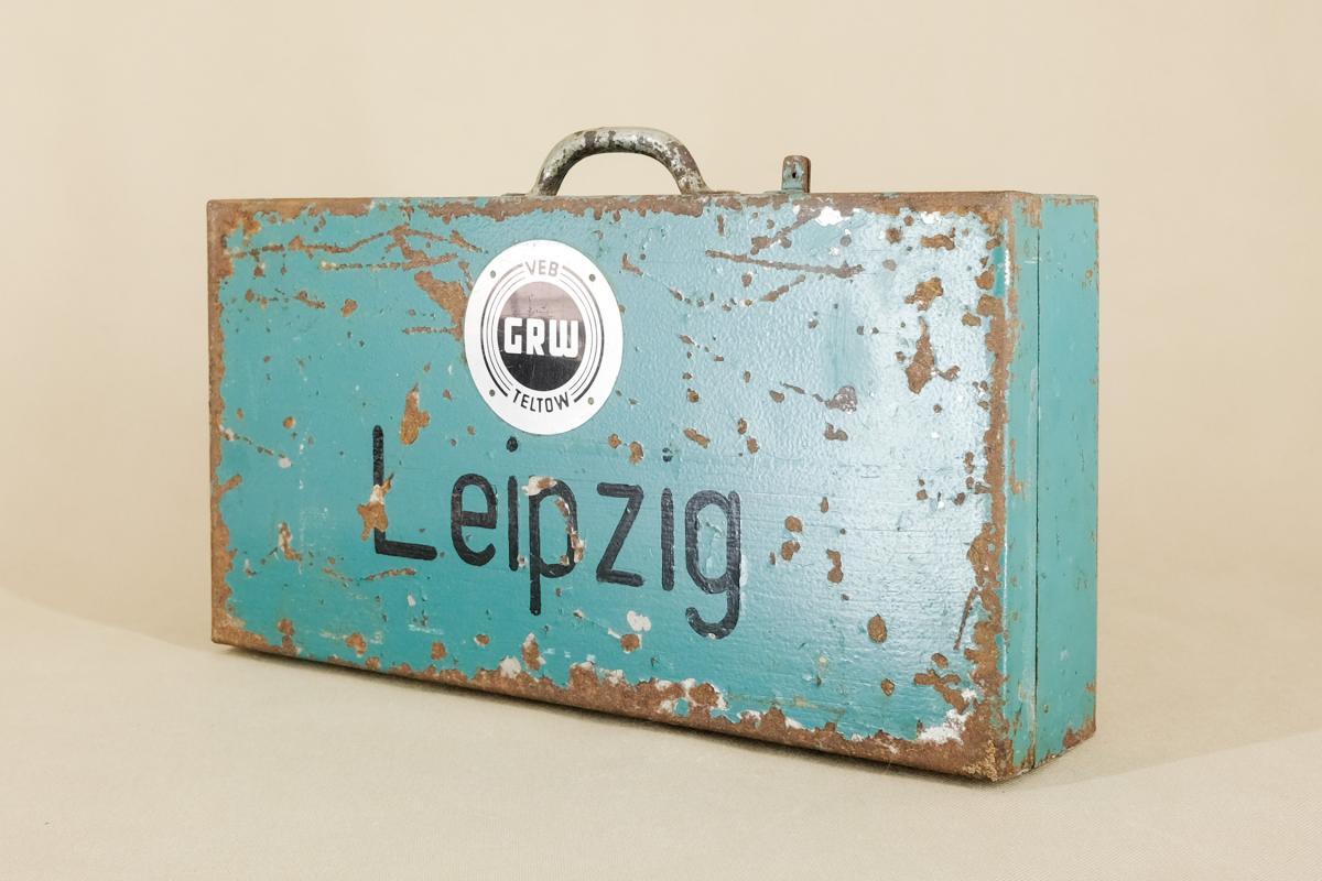 Industrieller Leipzig Koffer aus Metall von VEB GRW Teltow, 1950er  1