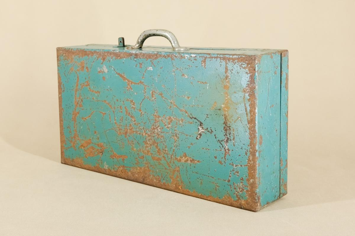 Industrieller Leipzig Koffer aus Metall von VEB GRW Teltow, 1950er  2