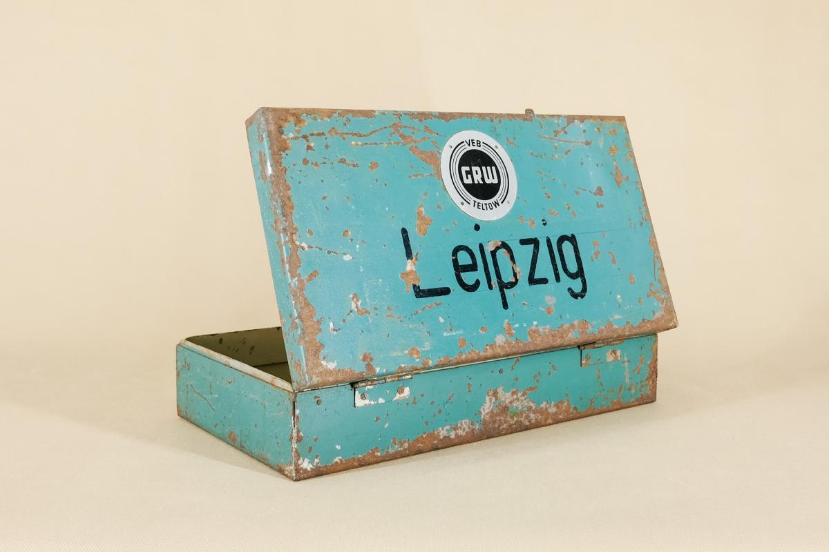 Industrieller Leipzig Koffer aus Metall von VEB GRW Teltow, 1950er  4
