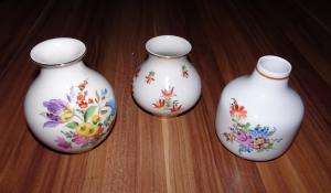 3 kleine alte Porzellanvasen Blumenvasen Kaestner Saxonia DDR